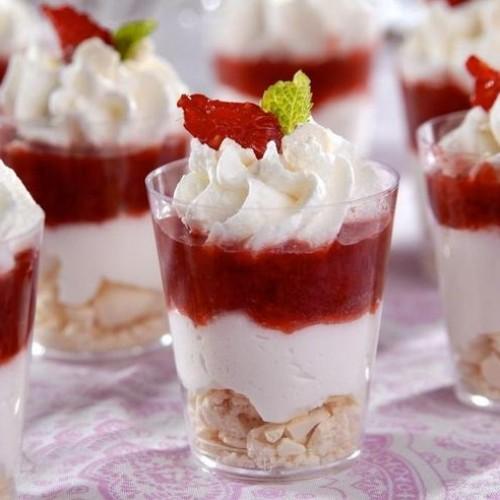 Yoghurt met zomerfruit