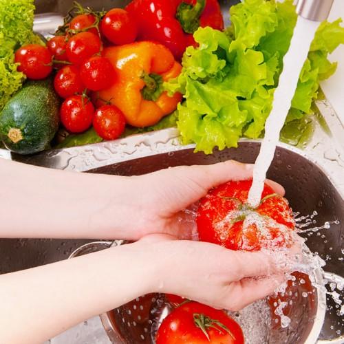 Ze wast haar groenten altijd met azijn! De reden?