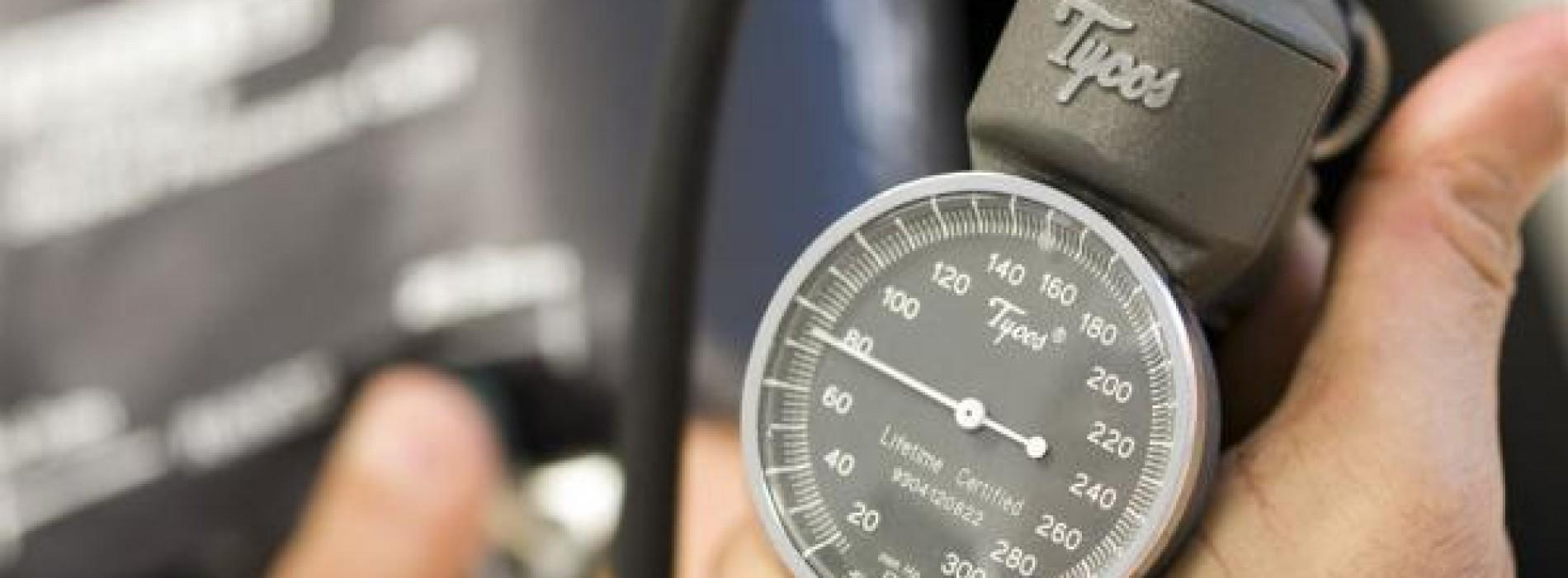 Zo kun je zelf je bloeddruk verlagen zonder artsen en medicijnen