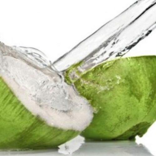 Weet jij wat er zal gebeuren als je Kokoswater drinkt gedurende 7 dagen?
