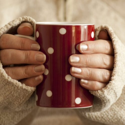 Aan het hoesten en snotteren? Met dit stappenplan kom je binnen 24 uur van die verkoudheid af!