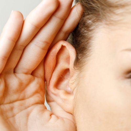 Met slechts één druppeltje van dit middeltje wordt je gehoor direct hersteld!