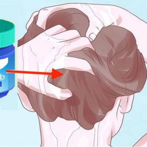 Als je Vaporub in je haar smeert voor het douchen, gebeurt er DIT!