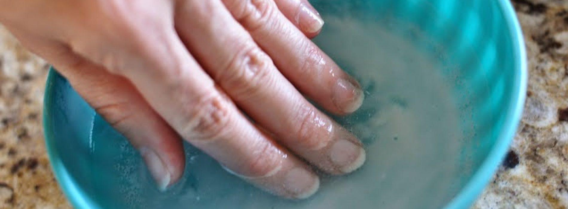 Last van zwakke broze nagels? Dit middeltje zal je nagels sterker maken!