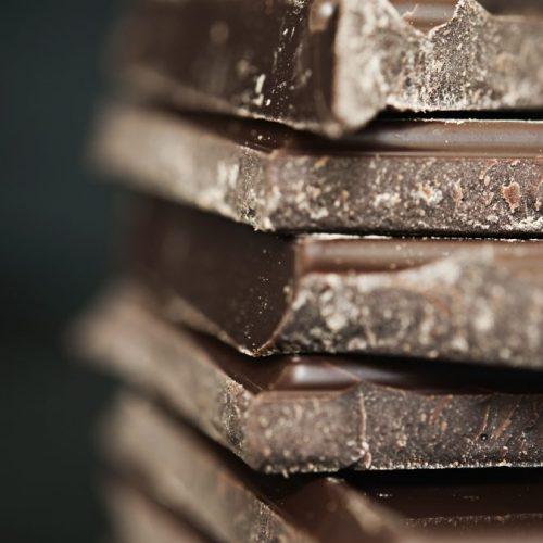 Deze chocolade verzacht menstruatiepijn!