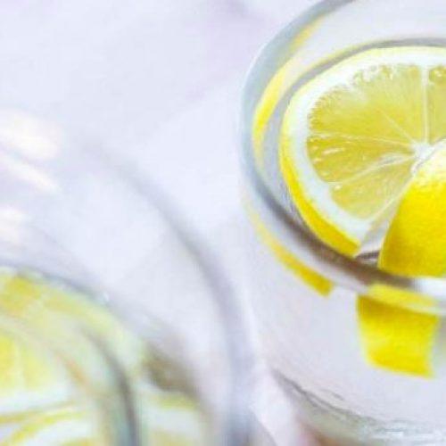 10 redenen om lemon water te drinken, het verandert compleet uw gezondheid!