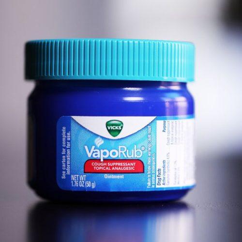 8 verrassende toepassingen van Vicks VapoRub waarvan u had gewild dat u het wist