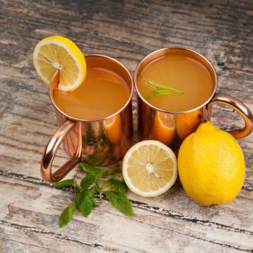 Gezondheidsvoordelen van drinken uit een koperen beker