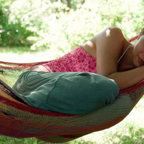 Waarom middagslaapjes een teken van gezondheid zijn, geen luiheid.