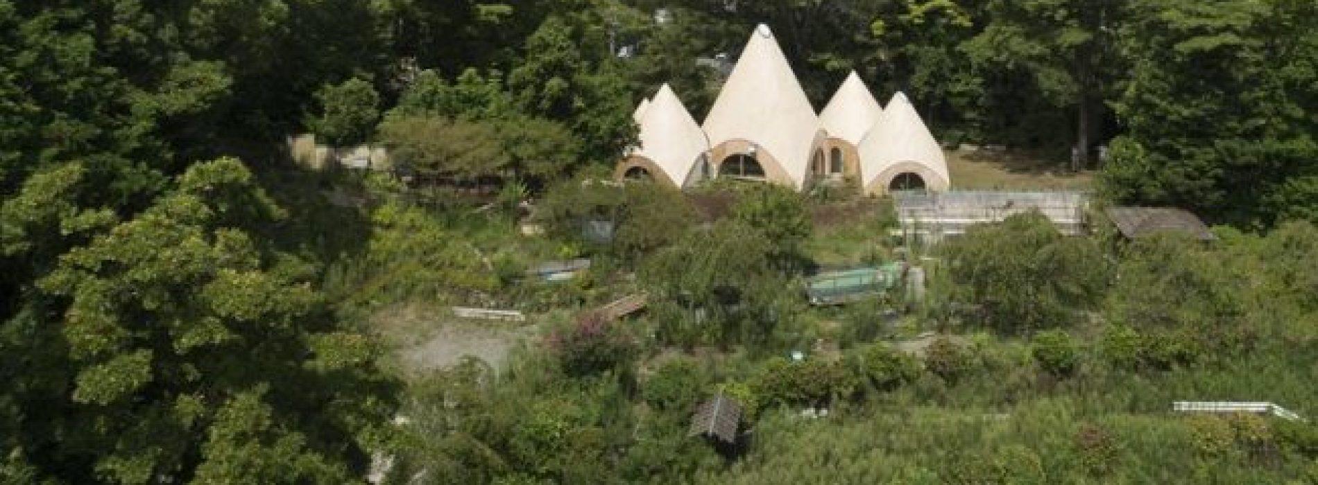 Dit Japanse boshuis is als iets uit een sprookje