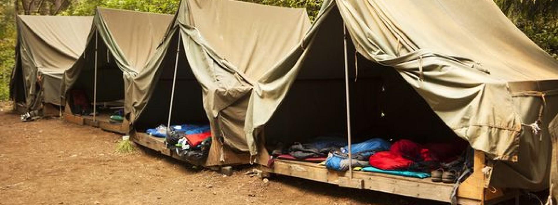 Koken op kamp: Tien tips om een voedselvergiftiging te voorkomen