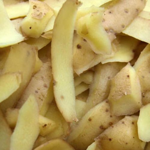 Heb je van fruit, groente of aardappel nog schillen over? Gooi ze dan niet weg! Dit kan je er nog mee doen