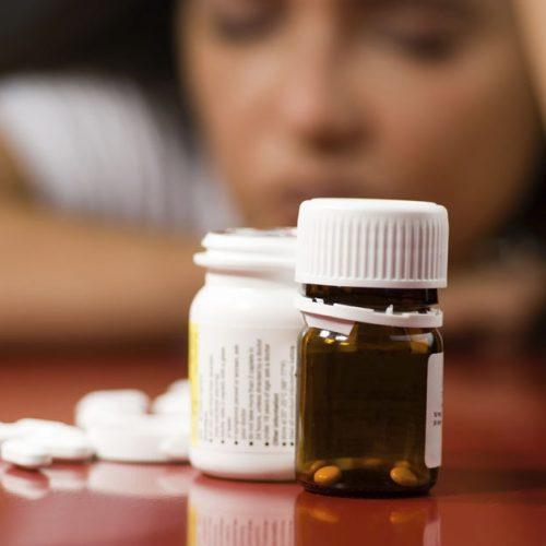 'Antidepressiva vrijwel altijd nutteloos en schadelijk'