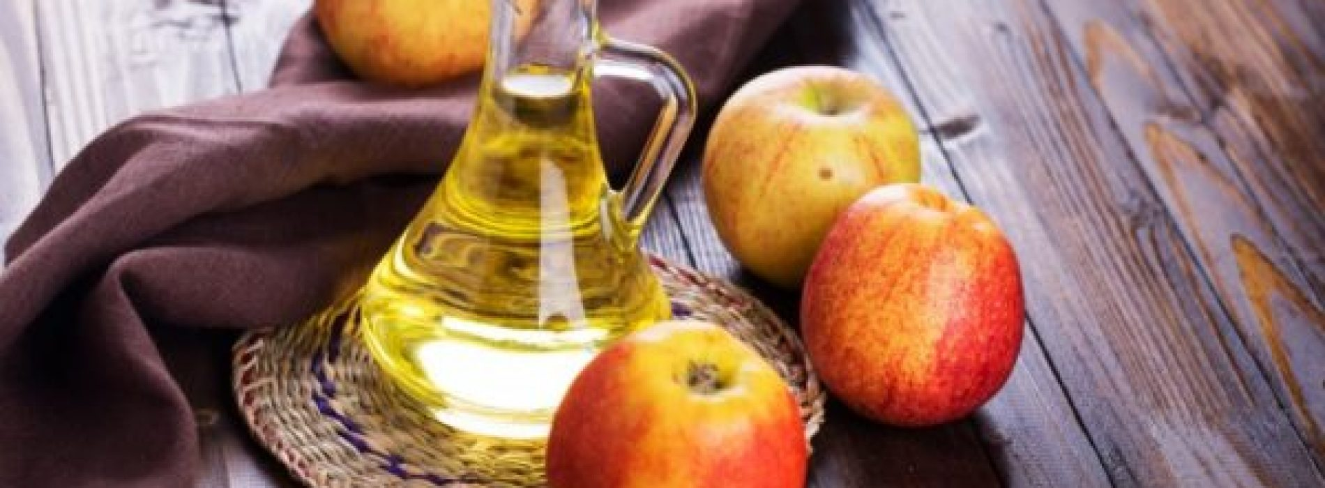 7 redenen waarom je appelazijn elke avond voor het slapen gaan moet drinken