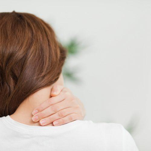Dit japanse trucje zorgt ervoor dat nekpijn en stijfheid van de nek in 10 seconden verdwenen is!