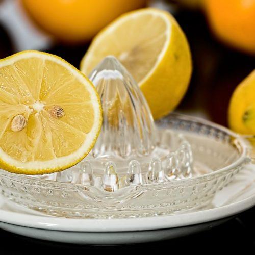 Citroensap met zout kan een migraine hoofdpijn aanval in enkele minuten stoppen!