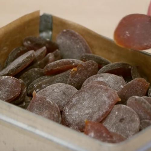 Last van keelpijn? Deze zelfgemaakte snoepjes zijn heel makkelijk te maken!