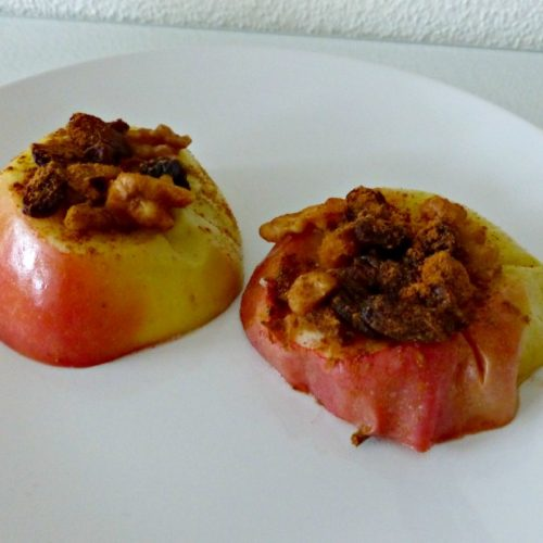 Healthy snack: Warme Appel met Walnoten, Rozijnen en Kaneel