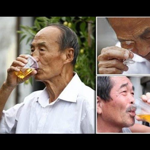 Dit is de bijzondere reden waarom mensen zweren bij een kopje verse urine in de ochtend!