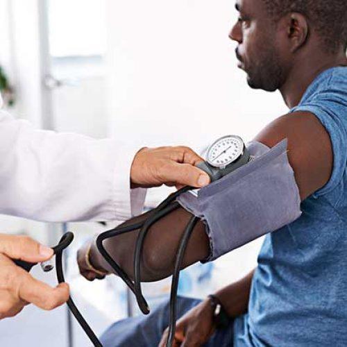 4 Voedzame voedingsmiddelen die kunnen helpen de bloeddruk te verlagen