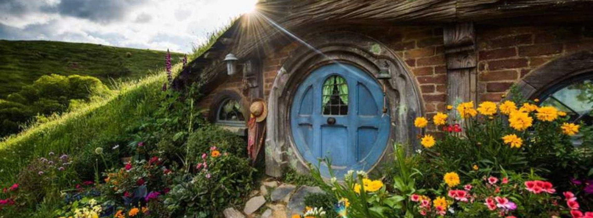 Gaaf: Je kunt in deze nieuwe Hillside Hobbit-themahuizen bij Calgary verblijven