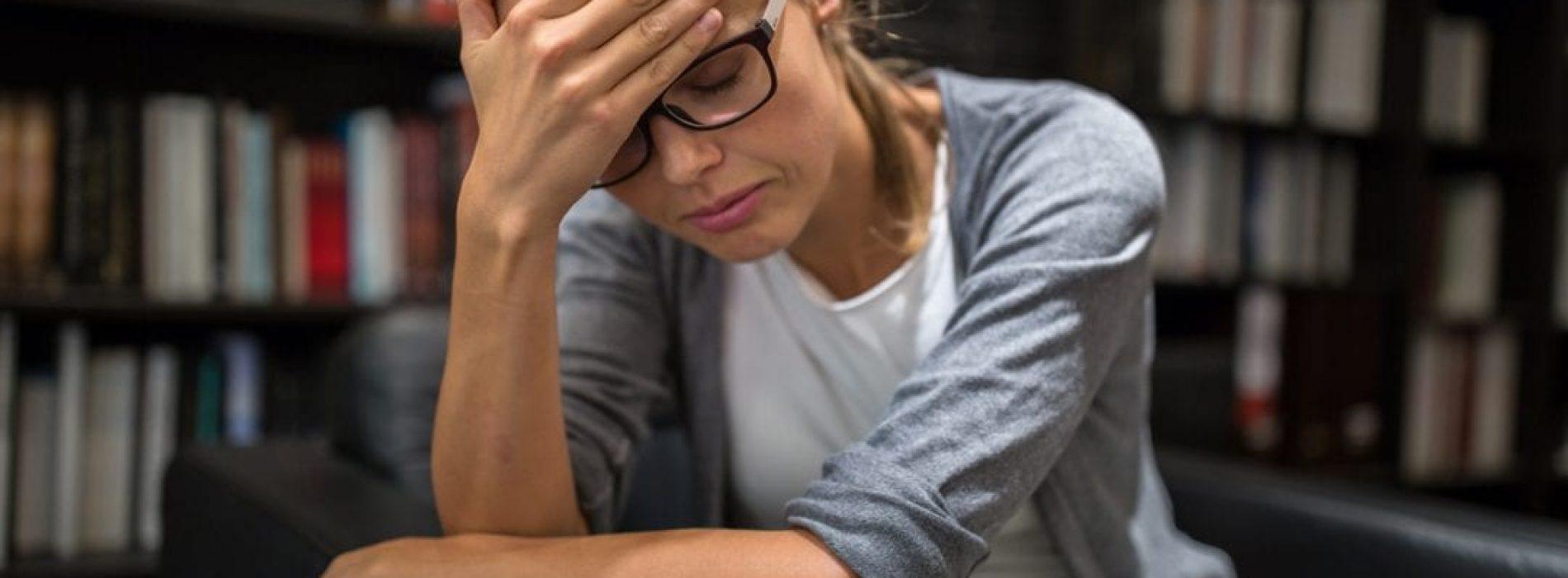 Als u een van deze symptomen heeft, krijgt u mogelijk niet voldoende slaap en dit is wat u eraan kunt doen