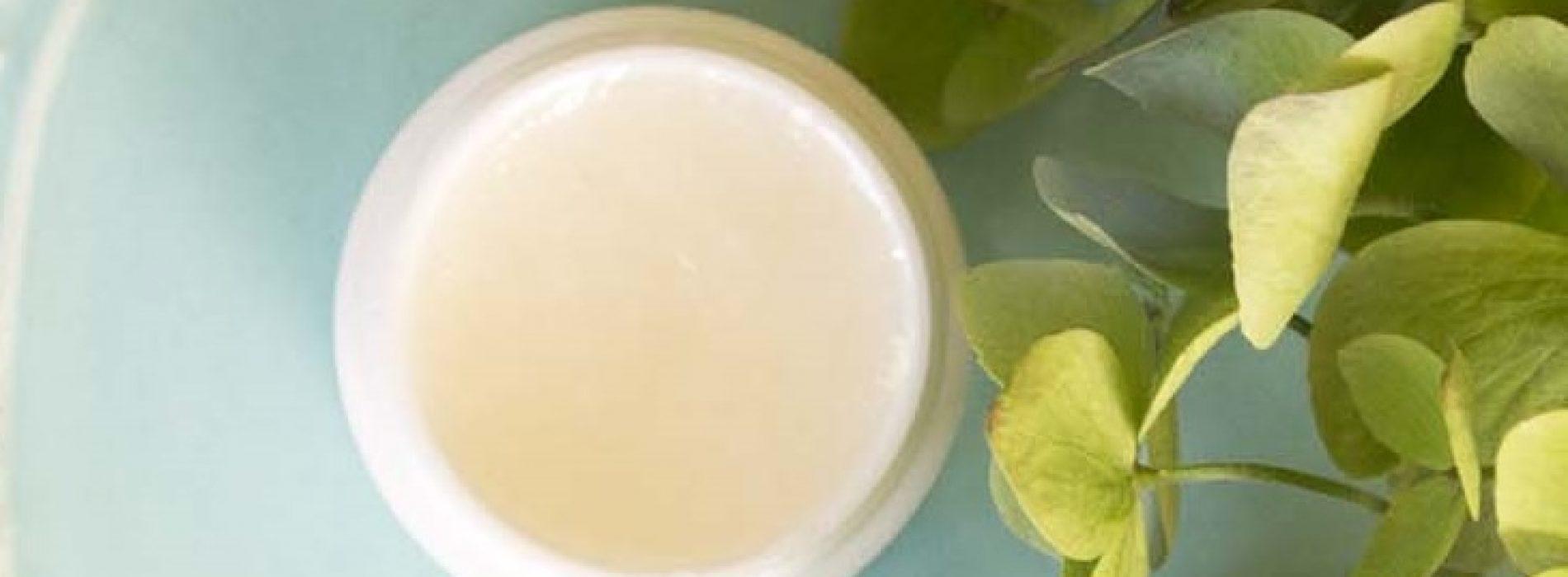 Hoe maak je een 3 ingrediënten Anti-veroudering oogcrème in 1 minuut