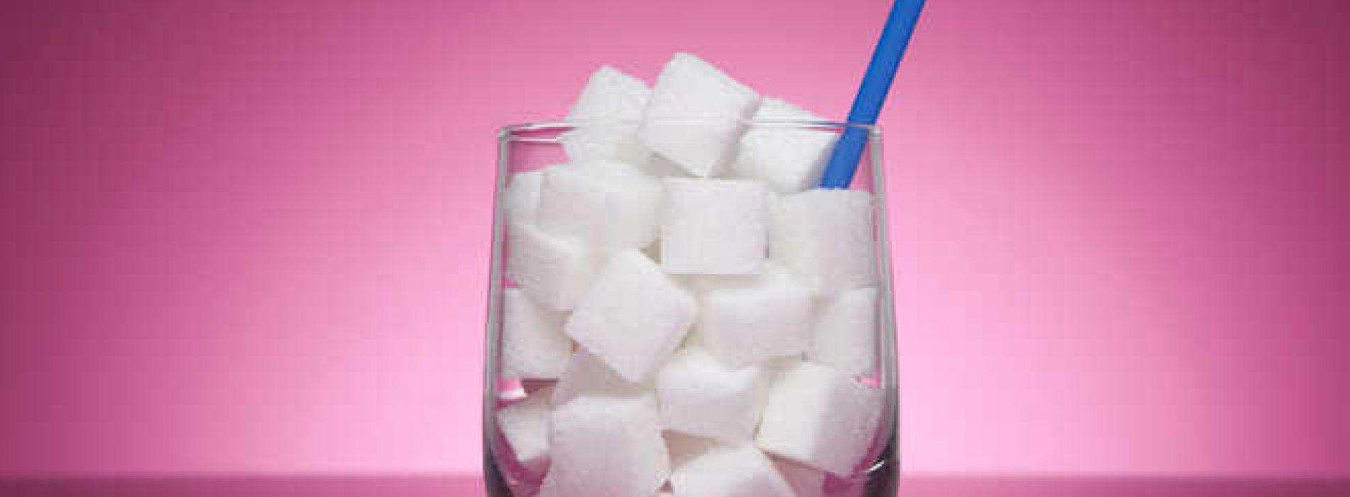 Onderzoek suggereert een mogelijk verband tussen suikerhoudende dranken en kanker