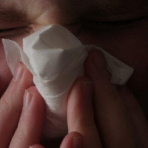 Spoel slijm uit uw lichaam met 5 zeer effectieve thuisbehandelingen