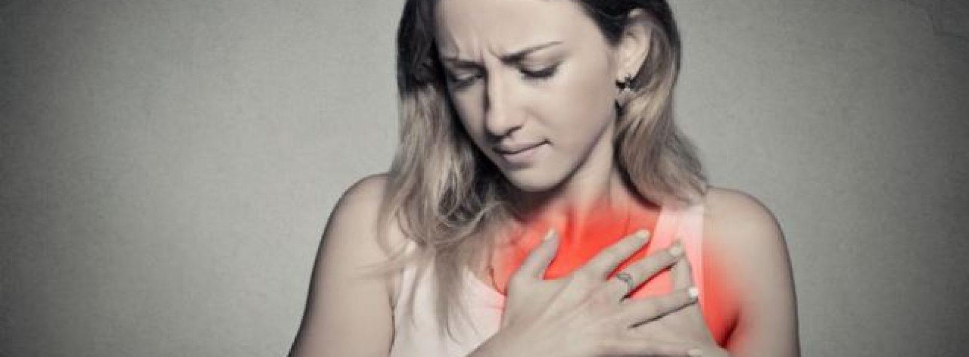 Dodelijke waarschuwingssignalen voor een hartaanval die alle vrouwen moeten weten (video)