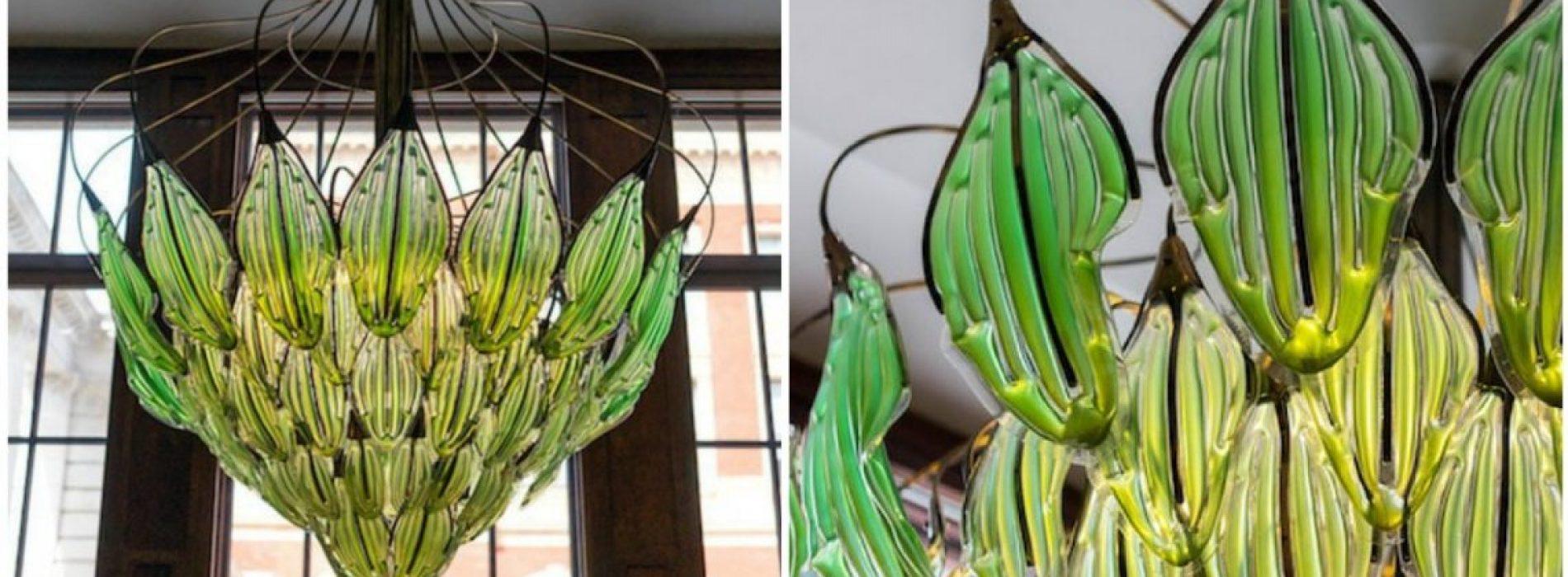 """""""Levende"""" kroonluchter gemaakt van met algen gevulde bladeren die de lucht op natuurlijke wijze zuivert"""