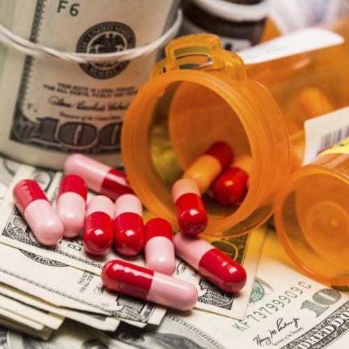 Big Pharma liegt over vitamine C om mensen ziek te houden van kanker… en tegelijkertijd enorme winsten op te strijken met giftige kankerbehandelingen